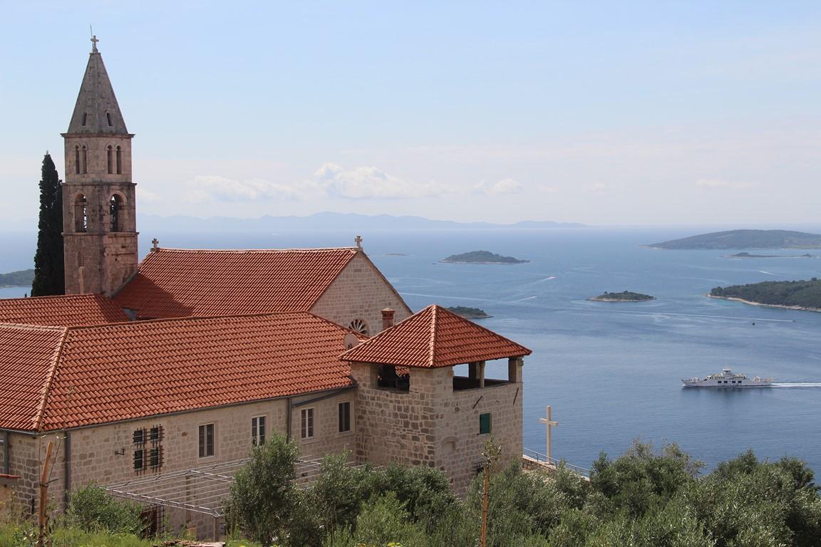 L'ile de Korcula vue depuis le monastère d'Orebic