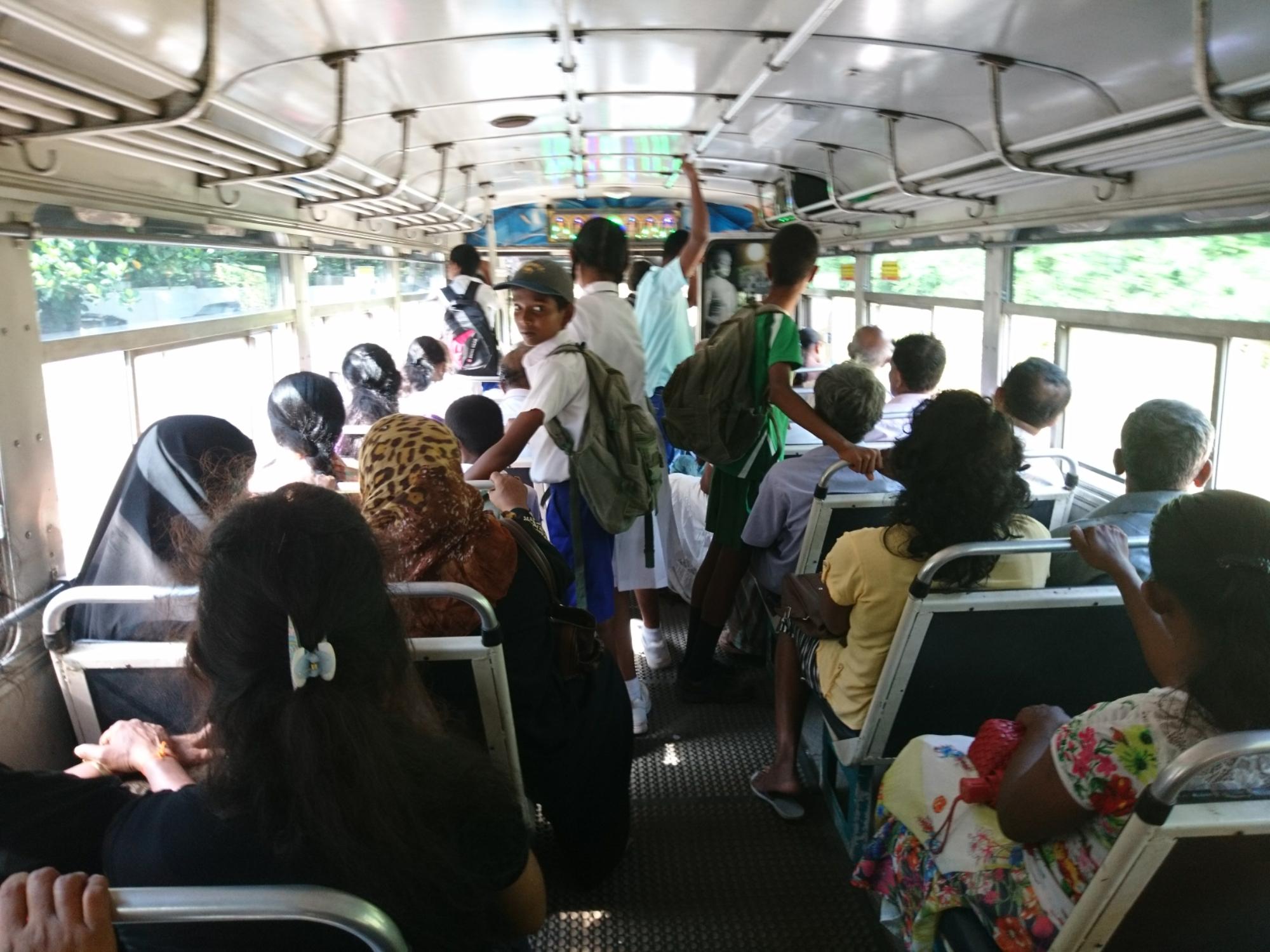 Bus 334/3 de Matara à Tissa, côte sud