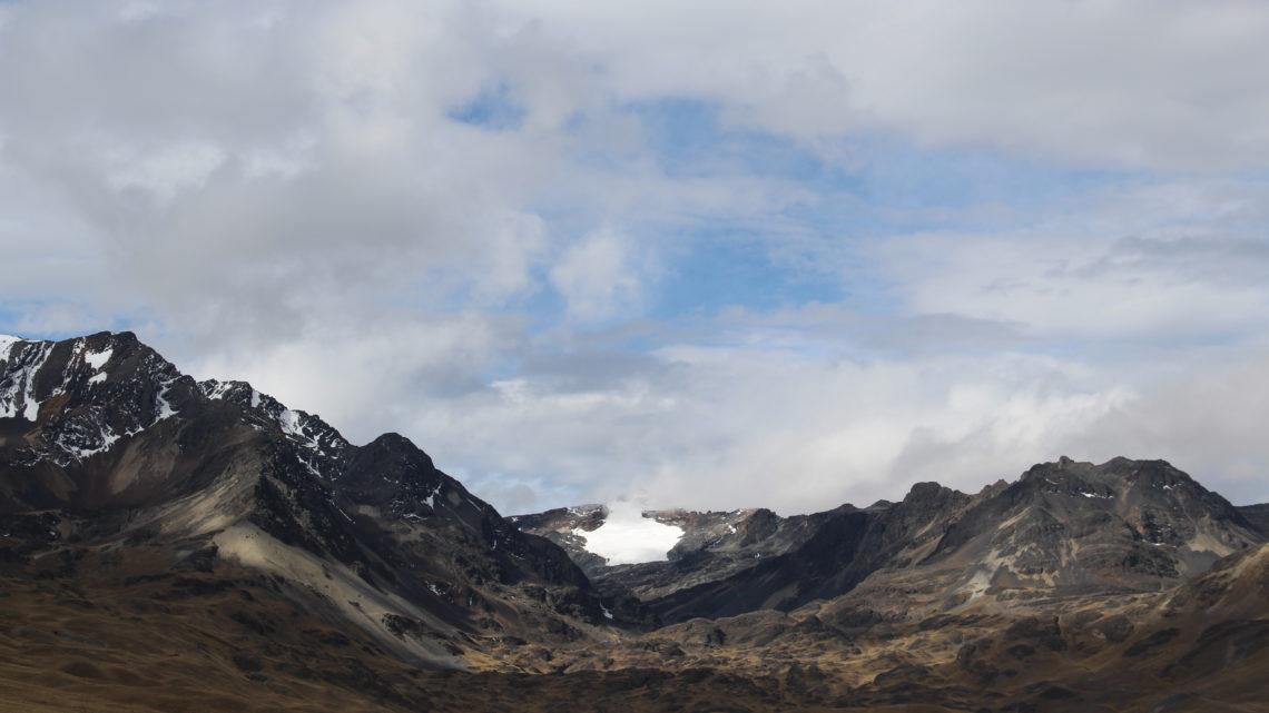 Entre le camp de base du Condoriri et La Paz