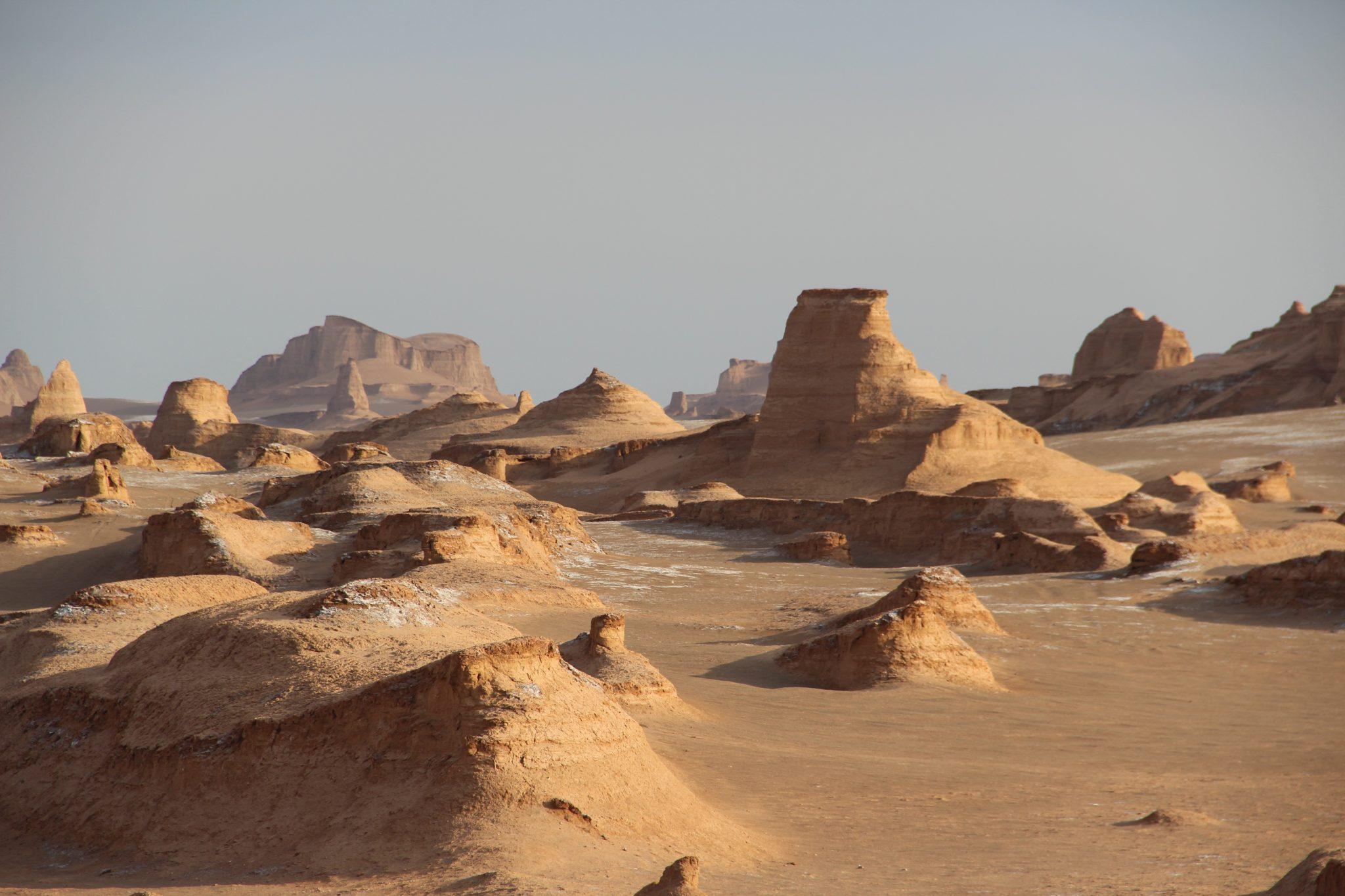 Découvrir les kaluts du désert de Lut